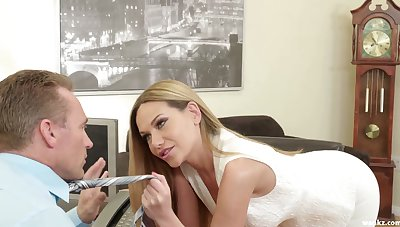 Dear Russian beauty Subil Arch is into giving a super good blowjob