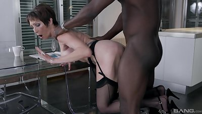 Amateur mature in stockings fucked from bankrupt by a big black cock