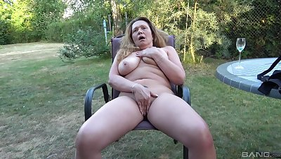 Full inferior less yard solo porn with the dirty aunt