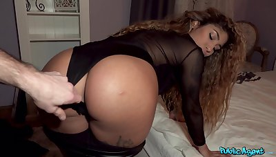 Thick ebony gets paid in the matter of bounce that ass on cam and fuck hard