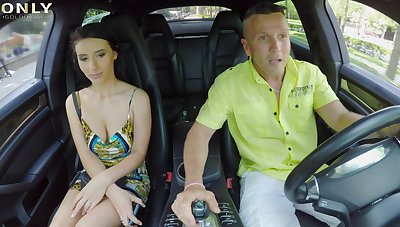 Lucky driver slides his fat drill in tight asshole of Nelly Kent