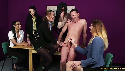 CFNM video be useful to a dude getting pleasured by Chantelle In the world & Emma Louisee